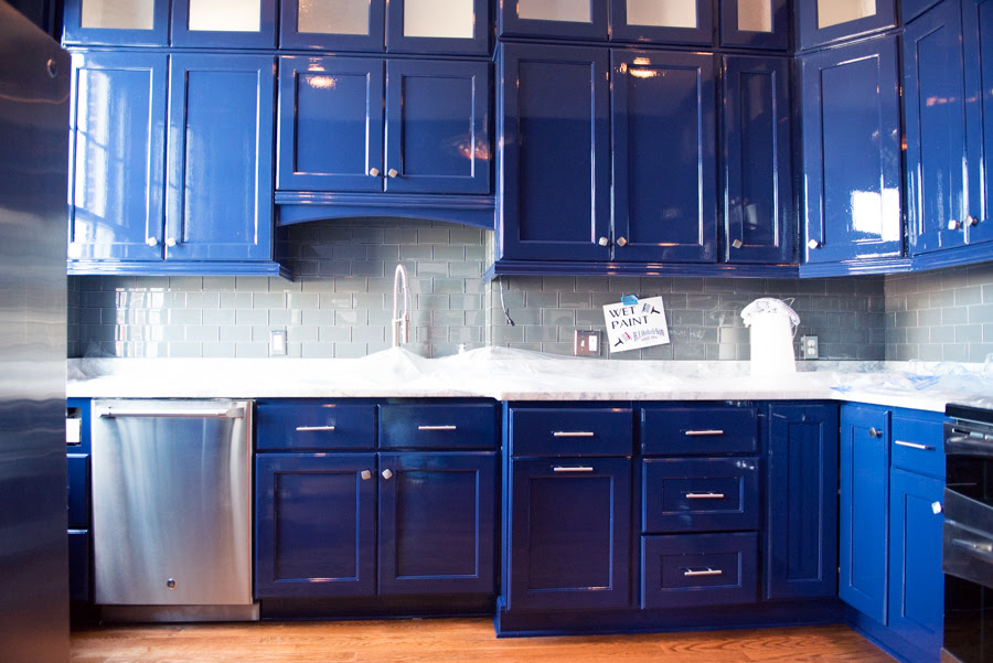 Benefits of Refinishing Your Kitchen Cabinets