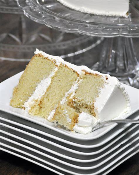 Best Vanilla Cake Recipe {Ever} ? Cakes   OfBatter&Dough
