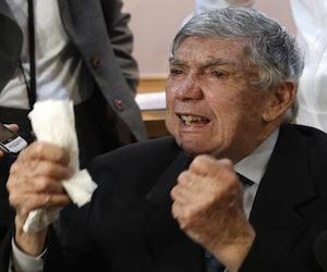 Luis Posada Carriles durante una conferencia de prensa en Miami. Foto: Archivo