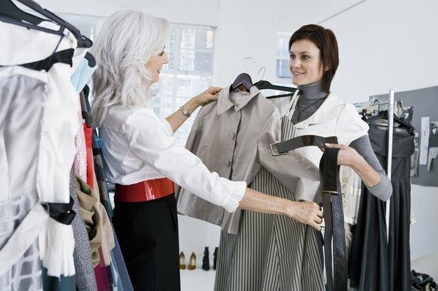 Cómo crear un guardarropa de mujer clásico: una guía paso a paso hacia lo esencial del estilo chic