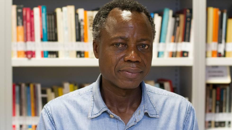 El escritor togolés Sami Tchak en la mediateca de Casa África.