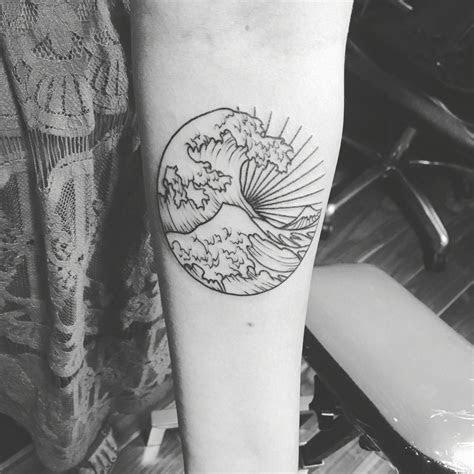 great wave tattoo geometrictattoos waves tattoo