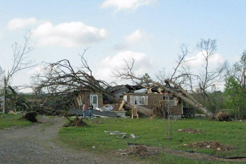 Mena Tornado 2009 47