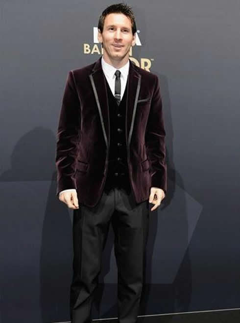 Lionel Messi fashion purple suit at FIFA Balon d'Or 2011-2012 gala/ceremony