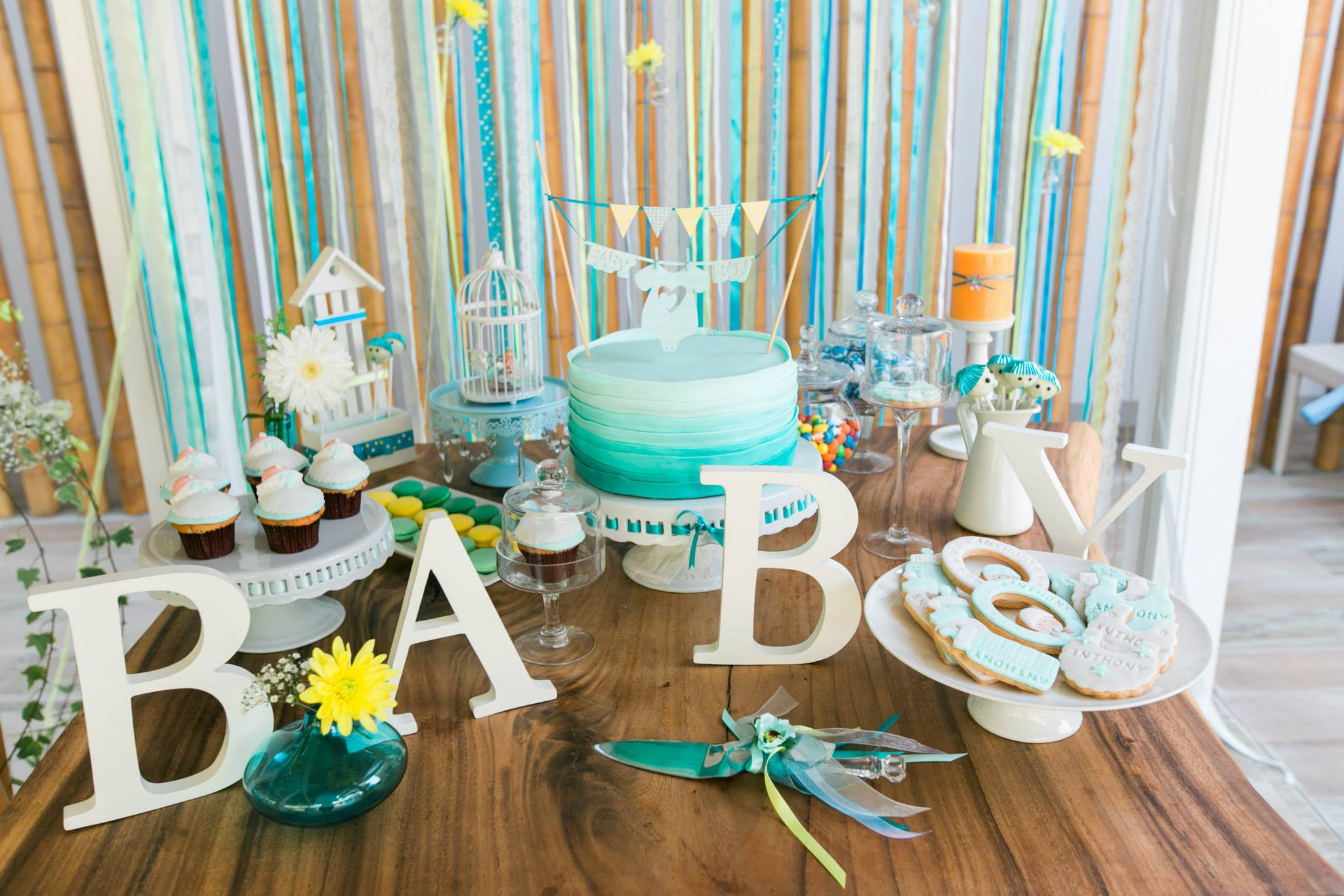turquoise_gorgeous-baby-boy-shower-main-table-decorations ...