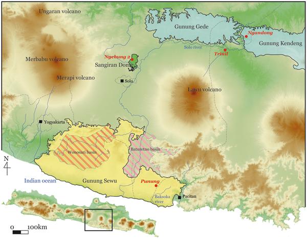 Figura 1 Mapa de Java Central que apunta al sitio de Trinil y otros sitios arqueológicos y paleontológicos mencionados en el texto.