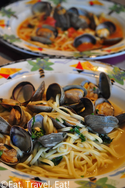 Sesame Grill: Linguini Clams (White and Red Sauce)