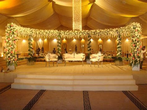 Wedding Stage Decoration with Gold Color   Take