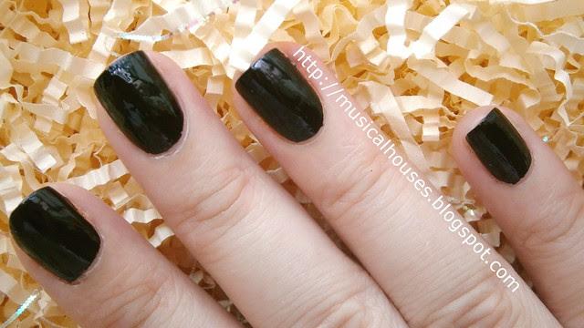 chalkboard manicure step 1