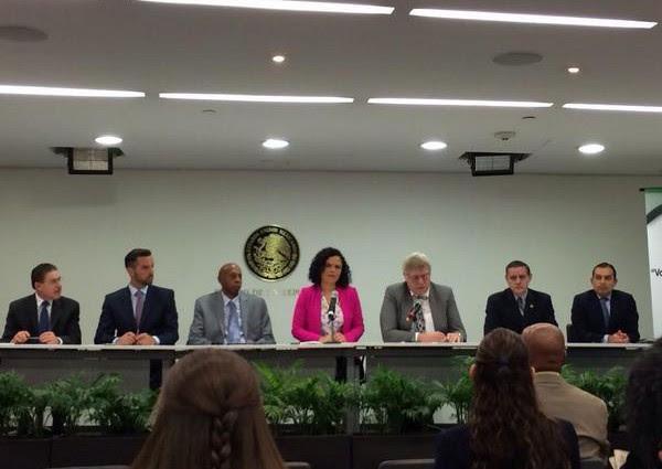 http://www.fhrcuba.org/wp-content/uploads/2014/10/Guillermo-Farinas-Senado-Mexico-600x425.jpg