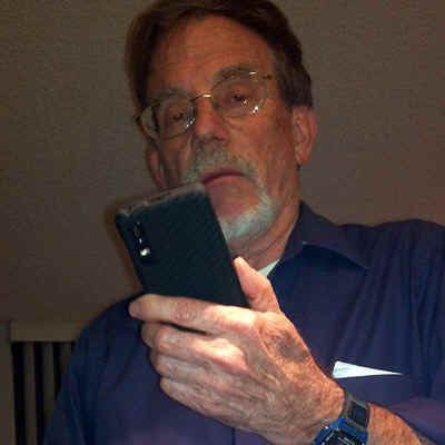 WaltPhone.jpg (121999 bytes)