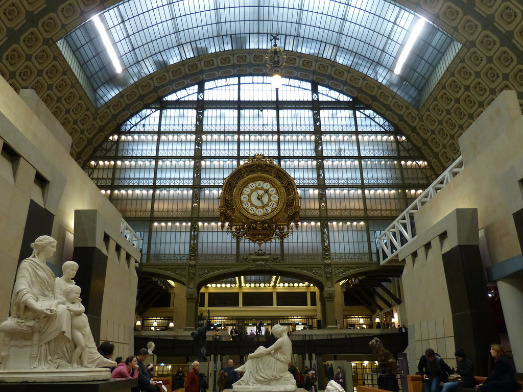 Musée d'Orsay, big golden clock