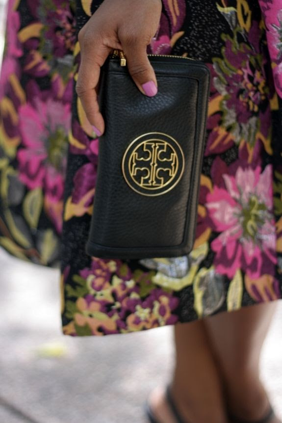 photo tory_burch_wallet_clutch.jpg