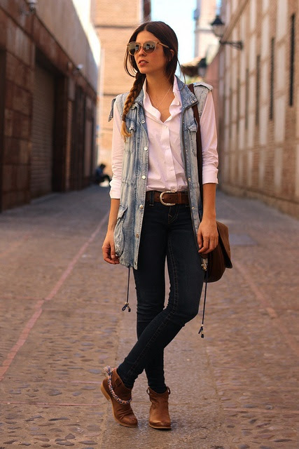 street_style-trendy_taste-look-outfit-true_religion-dark_blue_jeans-it_shoes-loewe_bag-bolso_loewe-botines_camperos-cowboy_booties-denim_vest-chaleco_vaquero-bottega_veneta-12 by Trendy Taste, via Flickr