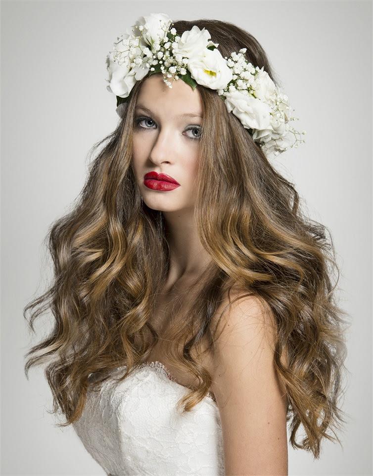 Fiore con i capelli Acconciatura per le feste Treccia di Chiara cea8a0f99a96