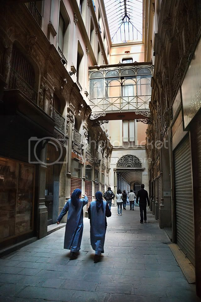 Passatge de Bacardi, Placa Reial, Barcelona [enlarge]