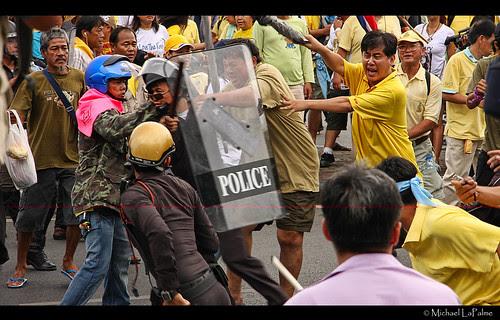 People's Alliance for Democracy - พันธมิตรประชาชนเพื่อประชาธิปไตย © 2012 Michael LaPalme