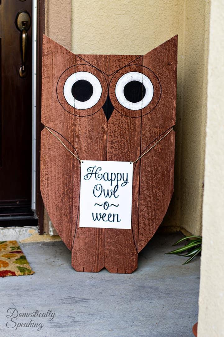 Happy Owl-o-ween! DIY Easy Wood Owl