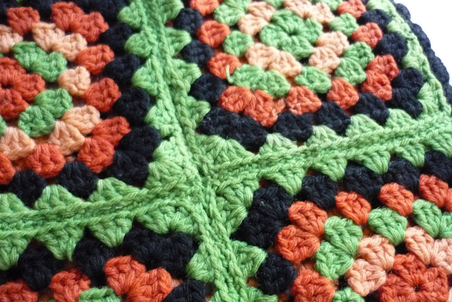 Lovely Granny Square Pillow Cover - LindsayJanesCottage