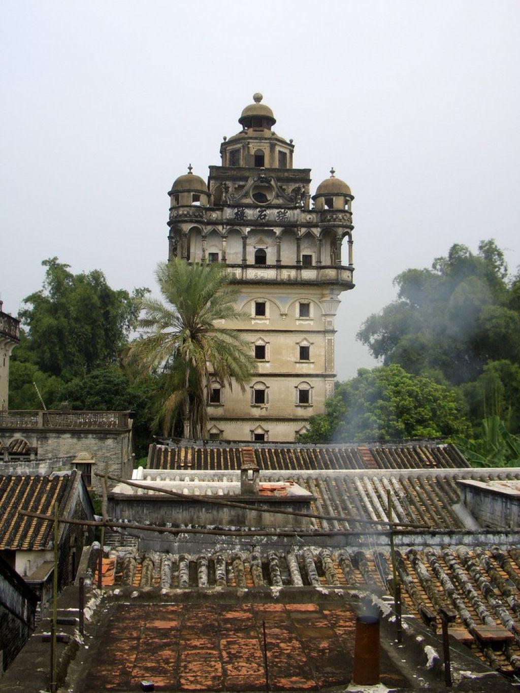 Torres no estilo europeu foram erguidas no meio da China 03