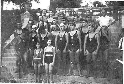 Piscina de la Escuela de Gimnasia en Toledo en 1935.  Fotografía de Eduardo Butragueño Bueno