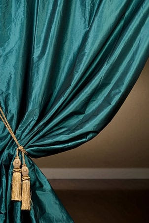 How to Hang a Curtain Rod from the Ceiling | Overstock™