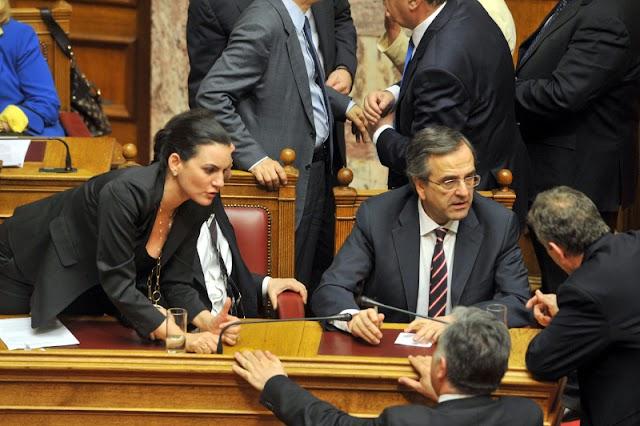 Η Όλγα με το αβυσσαλέο ντεκολτέ της αρρώστησε τη Βουλή.