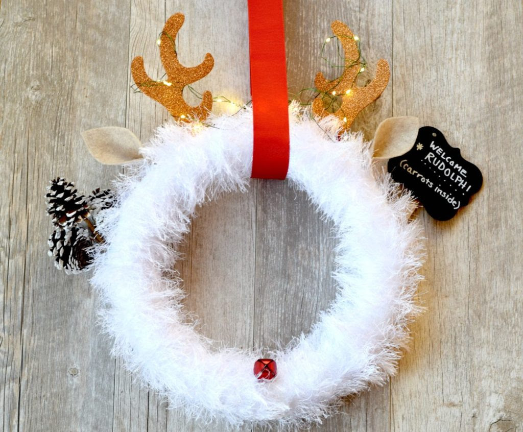 fun-fur-rudolph-christmas-wreath