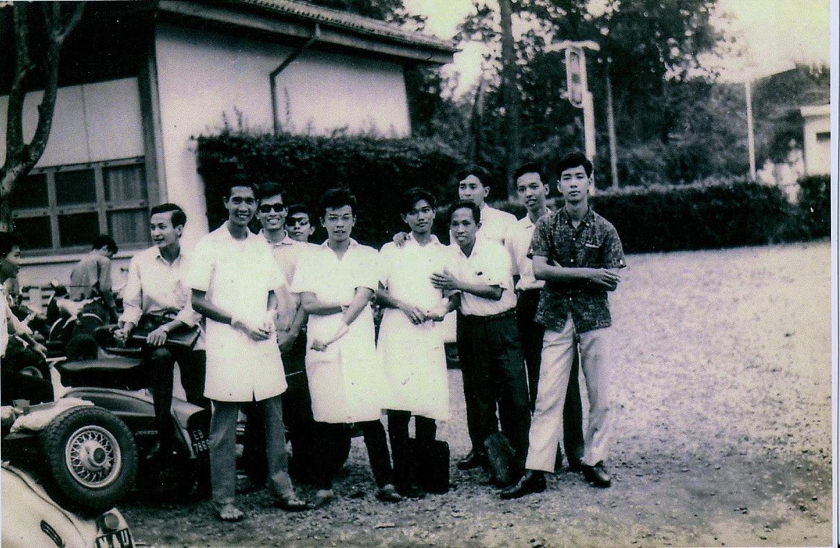 SVYK năm thứ II thực tập tại Cơ Thể Học Viện đường Minh Mạng năm 1965