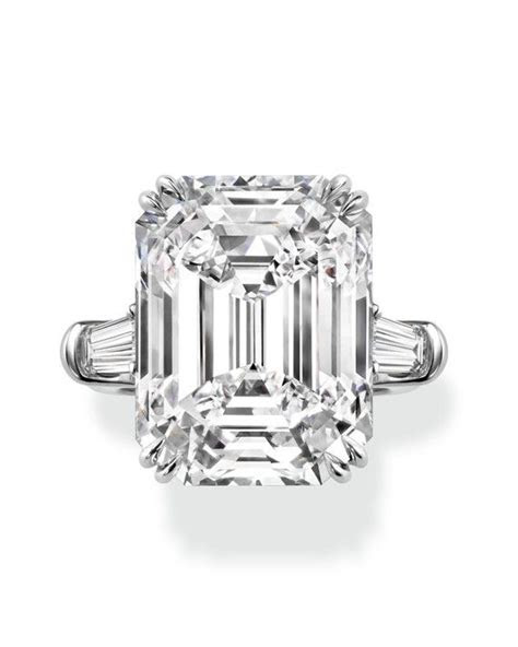 34 Elegant Emerald Cut Engagement Rings   engagement