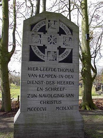 Monument voor Thomas a Kempis bij de ingang va...