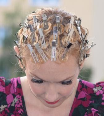 Swing Frisur Anleitung 40er Jahre Haarstyling Retrochicks