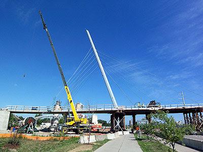Crane and bridge support on Hiawatha bridge