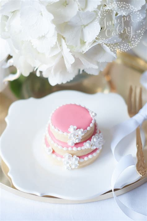 Sweet Tiers: How to Create a Stacked Wedding Cake Cookies