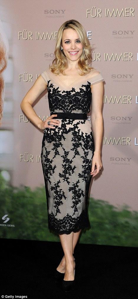 Pretty in lace: Rachel McAdams é uma princesa de todos os americanos no photocall para novo filme O Voto em Munique, Alemanha