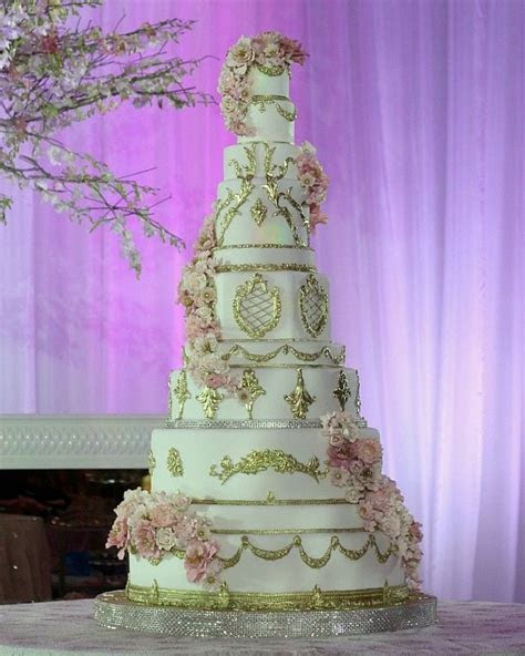 EXTRAVAGANT CAKES   11 Tier Gold & Flowers Wedding Cake
