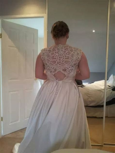 My dress is too small, please help!!