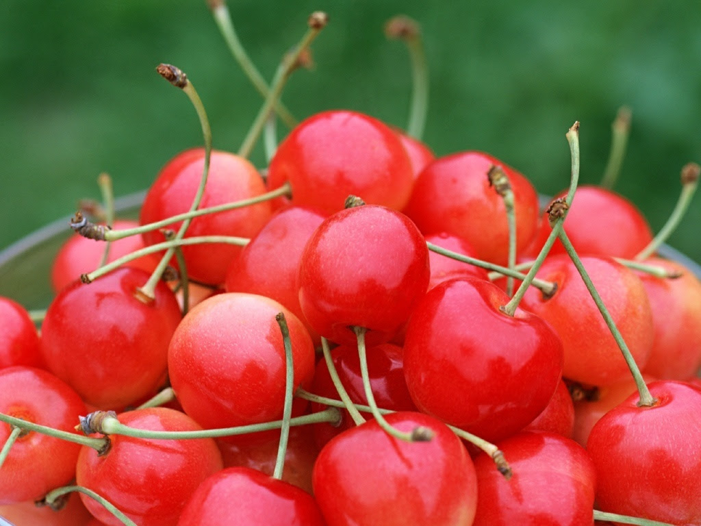 http://images2.fanpop.com/images/photos/6300000/Cherry-Fruit-Wallpaper-fruit-6333997-1024-768.jpg