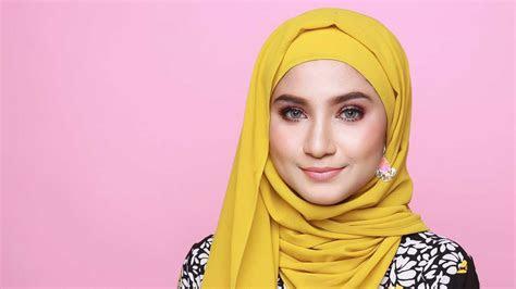 contoh foto model hijab modern trendy terpopuler