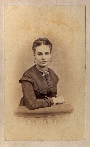 Civil War Era Young Woman   Pictures from the Past   Civil