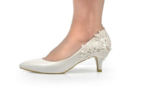 ivory lace crochet mid heel wedding pumps bridal shoes