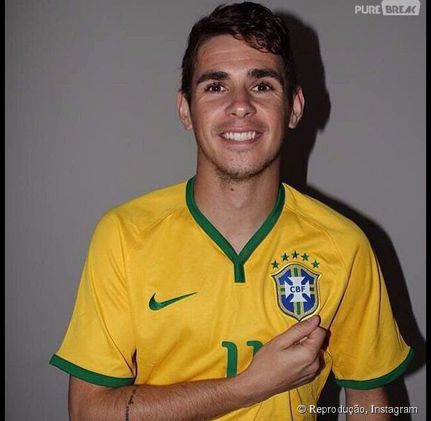 Oscar da Seleção do Brasil tem uma pequena tatuagem no braço