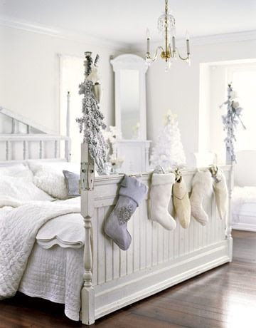 www.countryliving.com Bedroom-White-Holiday-Stockings-HTOURS1206-de
