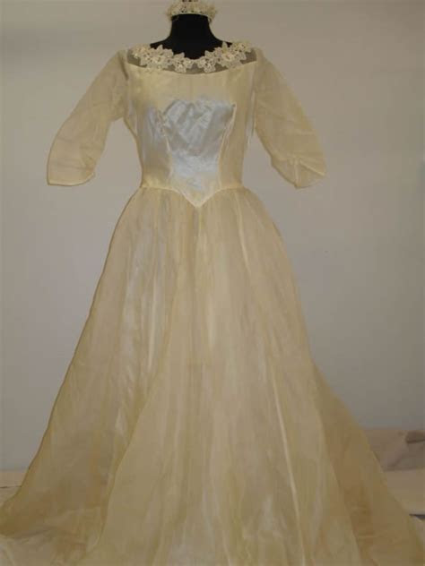 Stained Gown Restore   Treasured Garment Restoration