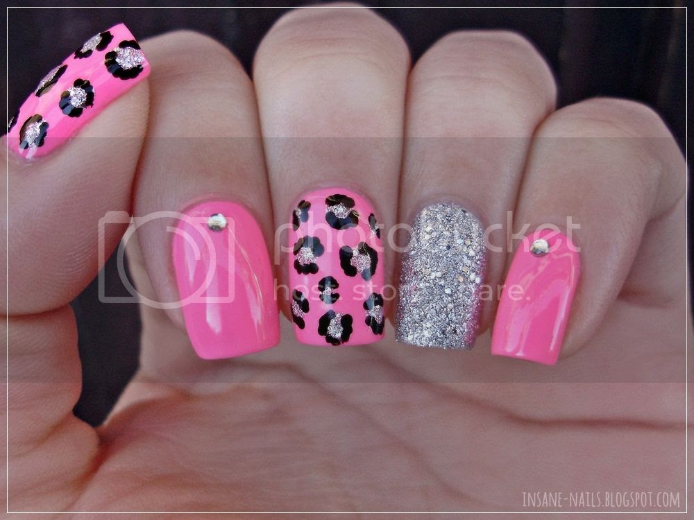 photo matching-manicures-animal-print-2_zpskzvof0z9.jpg