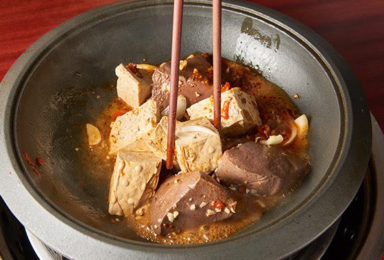 擺酒(麻辣)石頭鍋/石頭火鍋/火鍋/鍋