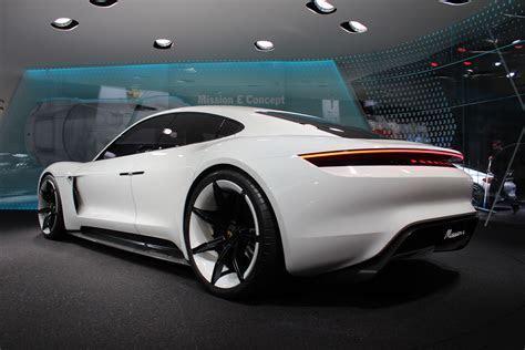 Porsche design chief talks about the Mission E concept: Video
