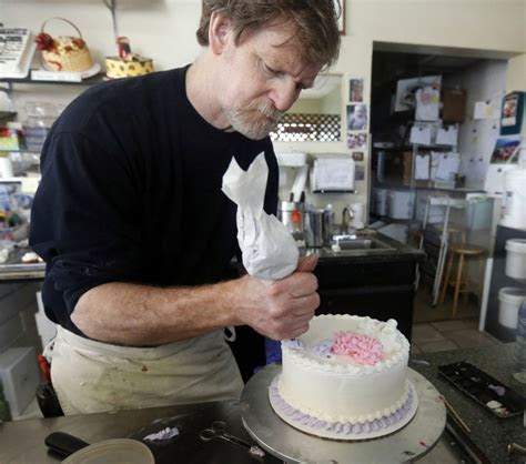 Justices side with Colorado baker on same sex wedding cake