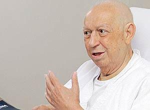 José Alencar será submetido a uma operação de urgência, para contornar uma hemorragia digestiva grave