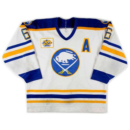 photo Buffalo Sabres 1989-90 F jersey.jpg